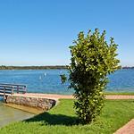 Prien am Chiemssee - Blick von der Parkanlage am Hafen auf den Chiemsee (2) thumbnail
