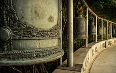 Süsser die Glocken nie klingen (martinsilvestri90) Tags: bangkok thailand thai glocken temple tempel bell bells old sound christmas sun hot sonne wärme