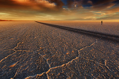 The sunset in Uyuni (yan08865) Tags: bolivia uyuni sky road sunset landscapes travel south america desert salt flats sun nature solo earth pics pictures traveler adventure sajama park potosi sand flat remote light textures