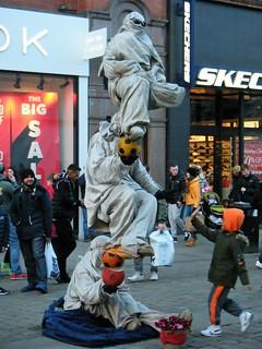 Manchester = Street art = a balancing act ?