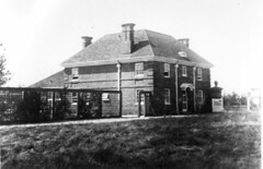 Allerton Park gatehouse historic picture, Monticello, IL (RLWisegarver) Tags: piatt county history monticello illinois usa il