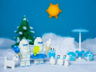 The Yeti family on a trip... �