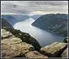 Paseando por Noruega: Preikestolen (edomingo) Tags: edomingo olympusomdem5 mzuiko1240 preikestolen noruega púlpito lysenfjord fiordos