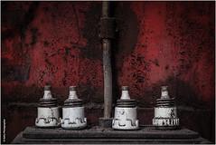 durchgebrannt (geka_photo) Tags: gekaphoto büdelsdorf schleswigholstein deutschland carlshütte nordart sicherungen rot schmelzsicherungen marode marodes