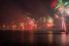 Frohes Neues / Happy new year (LB-fotos) Tags: feuerwerk travemünde beach coast firework lights newyear night ocean water