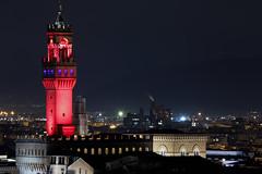 Torre di Arnolfo (MaOrI1563) Tags: torrediarnolfo firenze palazzovecchio flight toscana florence viola night tuscany maori1563