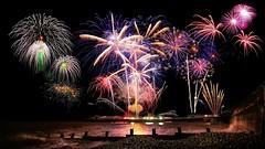 Whizz, bang, flash!! (waynedavey67) Tags: canon 5dmkiii canoneos5dmkiii 1635mmf4 tripod longexposure fireworks flash band wizz show night nightphotography cromer 2018 nye newyearsday coast seaview seadefences seaside