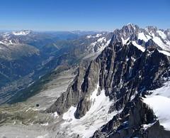 Chamonix (1036 m), Le Plan de l'Aiguille and Lac Bleu (2299 m). (elsa11) Tags: auvergnerhônealpes hautesavoie chamonix chamonixmontblanc montblancmassif aiguilledumidi lacbleu leplandelaiguille alps alpen mountains france frankrijk