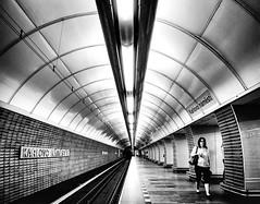 Metro (Karlovo Namesti) (TS_1000) Tags: prag metro ubahn station sw bnw olympus prague praha tunnel platform linien lines röhre