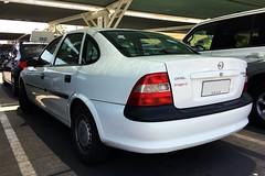 Opel Vectra - Santiago, Chile (RiveraNotario) Tags: opel opelvectra carspotting santiago chile
