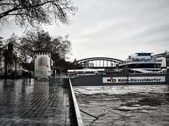 Köln - Düsseldorfer Anleger (chelis6252) Tags: wasser rhein köln hochwasser schiffe stadt
