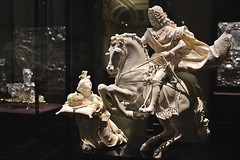 Emperor Charles VI on Horseback with the Personification of the Holy Roman Empire (1711-12) (just.Luc) Tags: ivoor ivory ivoire elfenbein horse paard cheval pferd vrouw femme frau donna mujer woman man male homme hombre uomo mann sculpture escultura statue estatua statua beeld beeldhouwwerk monochrome monochroom monotone museum museo musée wien wenen vienne vienna osterreich austria oostenrijk autriche kunsthistorischesmuseum