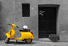 Yellow Scooter (bastiaan.westerhout) Tags: italie pienza toscane