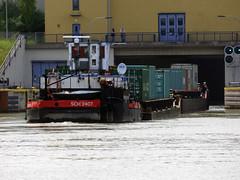 2407 (ENI 05601680) (Parchimer) Tags: schubboot pushboat towboat pousseur pchacz duwboot spintore empurradorfluvial binnenschiff tolómotorhajó pushertug schleuse uelzen