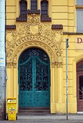Prager Türen & Fenster - 17 (fotomänni) Tags: tür türen door doors fenster window fenetre windows prag praha prague manfredweis