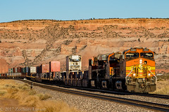 BNSF 4080 West: Lupton, Arizona (Z-Trains) Tags: bnsf arizona seligman subdivision sub apache railroad apacherailroad seligmansubdivision northernarizona trains train alco mlw c420 c424