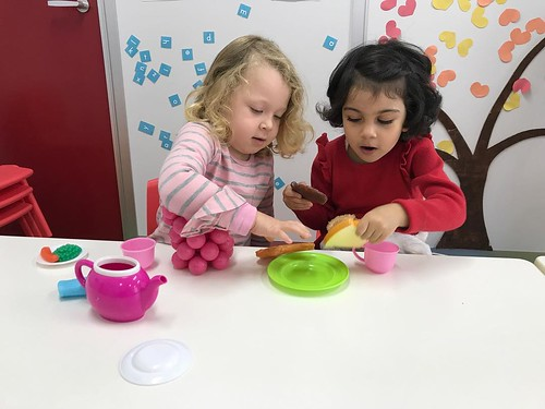 Let's play, learn and have fun together!👭 . Starkids International Preschool, Tokyo. #starkids #international #preschool #school #children #kids #kinder #kindergarten #daycare #fun #shibakoen #minatoku #tokyo #japan #instakids #ins
