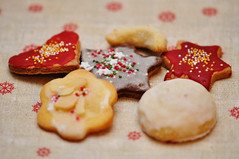 """Day 346/365 - """" Geometric Abstract"""" (Little_squirrel) Tags: 365the2017edition 3652017 day346365 12dec17 geometricabstract christmas cookies geometry christmasgeometry yummy delicious stars forms pellet differentbutthesame pastries pastry"""