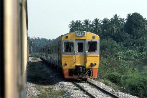 zrail - THAI - RSR 1983 (1126) 1985-03-16 dmu nr Hua Hin - INL