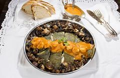 Rodaballo con salsa de gambas y setas. (Frabisa) Tags: rodaballo pescado horno salsa gambas setas navidad casero turbot fish oven sauce prawns mushrooms christmas homemade