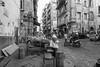 Napoli - Novembre 2017 (Maurizio Tattoni....) Tags: italy campania napoli street persone ambulante bn bw blackandwhite biancoenero monocrome leica 21mm strada mauriziotattoni