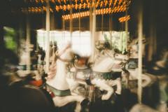 2018001 (gwagwa) Tags: amusement park horse merrygoround white bokeh light blur voigtlander rapid 75mm f22