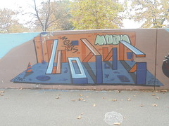 890 (en-ri) Tags: erre moan moans arrow parco dora torino muro graffiti writing arancione blu throwup wall