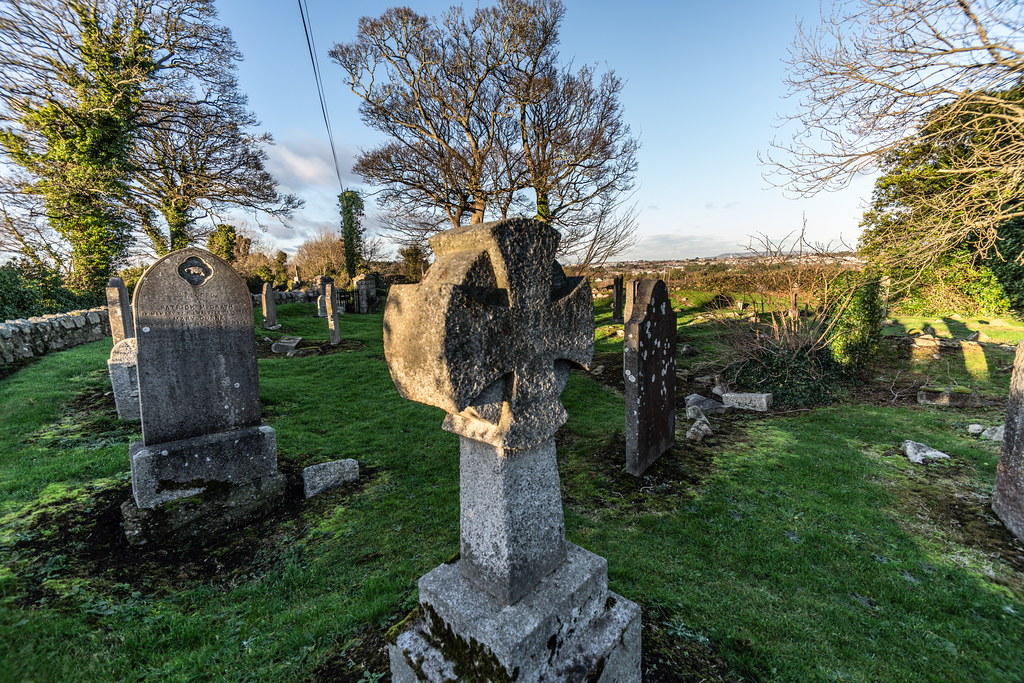 ANCIENT CHURCH AND GRAVEYARD AT TULLY [LAUGHANSTOWN LANE NEAR THE LUAS TRAM STOP]-134572