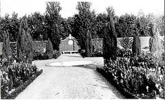 Allerton Park Brick Walled Garden, Monticello, IL 1925 (RLWisegarver) Tags: piatt county history monticello illinois usa il