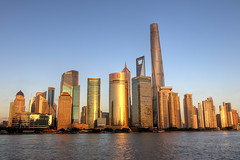 Pudong sunset (mbphillips) Tags: 上海 黄浦 huangpu 外滩 waitan 浦东 pudong 黄浦区 river asia 亞洲 fareast アジア 아시아 亚洲 mbphillips china 中国 중국 中國 night darkness dark paisajeurbano 城市景观 城市景觀 도시 skyline city ciudad 都市 城市 cityscape 上海中心大厦 shanghaitower 上海环球金融中心 shanghaiworldfinancialcenter 金茂大厦 jinmaotower 강 河 río 지평선 天際線 天际线 horizon skyscraper 마천루 rascacielos 摩天大楼 摩天大樓 geotagged photojournalism photojournalist 浦东新区 浦東新區 浦東 pudongnewarea thebund zhongshanroad 中山路 도시풍경 shanghai 상하이 travel chine 캐논 canon80d canoneos80d canon sigma1835mmf18dchsm sigma
