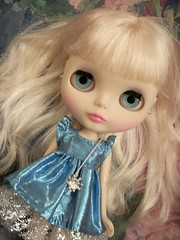 All Gussied Up... (simplychictiques) Tags: darlingdivablythedoll limitededition newyear rosieegelutiedress metallic fancy fifthanniversaryblythe doll toy nrfb takaratomy mattedface hobby spokanewashington dollphotography dddarlingdiva divinity