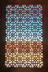 À l'abri du soleil (mcastonguay60) Tags: fatehpursikri architecture détail fenêtre fort rajasthan inde