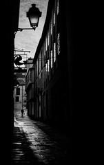 (Leon F. Cabeiro) Tags: leica m2 voigtlander 50 15 asph vm nokton kodak tmax 400 stand hc110 santiago compostela galiza galicia street