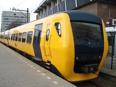 dm'90 op Zwolle (ov world) Tags: nederlandse spoorwegen dm90 buffel zwolle boemeltje diesel
