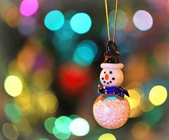 There is no man like a snowman ⛄ (Through Serena's Lens) Tags: bokeh ornament snowman dof christmas colorful canoneos6dmarkii 7dwf