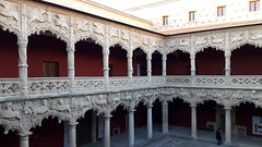 Guadalajara, the courtyard of Infantado Palace [Explore 19/12/2017] (Sokleine) Tags: palacio palace palais infantado architecture renaissance 16thcentury gothic mudejar unescoworldheritage unesco guadalajara castillelamancha spain espana espagne courtyard cour sculptures explore