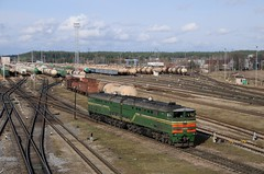 2TE10 at Daugavpils-Škirotava (berlinger) Tags: daugavpils lettland latvia train railways locomotive беларускаячыгунка belarusianrailway бч bch 2тэ10 2te10
