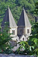 On arrive (J J D) Tags: conques compostelle chemin stjacques clocher abbaye abbatiale église