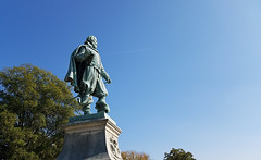 Captain John Smith (EmperorNorton47) Tags: historicjamestown jamestown virginia photo digital autumn fall colonialnationalhistoricalpark statue hero colonist monument