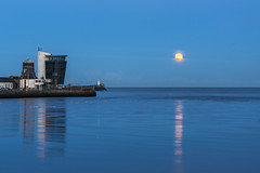 Super Harbour Moon (syf22) Tags: supermoon aberdeenharbour scotland aberdeen celestialbody fullmoon heavenlybody norm satellite bluehour dusk evening eve nightfall water sky building harbourboard controltower tower northpier breakwater