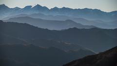 Montañas (Oscar F. Hevia) Tags: montañas colinas bosque nieve cielo paisaje sol mountains hills forest snow sky landscape sun asturias asturies españa paraísonatural principadodeasturias spain mountain mist fog brume