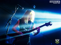 Crimson Slaughter (yiyo4ever) Tags: salacaracol concierto concert crimsonslaughter escenario stage luces lights guitarra guitar bassguitar bajo zuiko olympus panasonic lumix omd em5 em5ii m43 mft trash trashmetal bassplayer guitarplayer oly zuiko1240f28 lumix35100f28