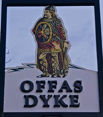 Offas Dyke - Broughton, North East Wales. (garstonian11) Tags: pubs realale wales broughton camra gbg2018 pubsigns