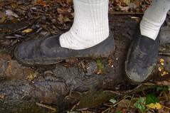 Flicker 165 Dec 2017 (Phil's Great Pics) Tags: plimsolls slipon run running mud muddy plimsoll dirty shoe trainers sneakers crosscountryrun log white socks