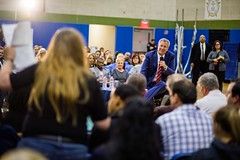 New York City Mayor Bill de Blasio co-hosted a town hall with Joe Borelli, councilman from the 51st district on Tuesday, December 12, 2017. Benjamin Kanter/Mayoral Photo Office. (nycmayorsoffice) Tags: annadale ardenheights bayterrace billdeblasio charleston community communityevent eltingville greatkills greenridge heartlandvillage huguenot joeborelli mayor newspringville outreach pleasantplains prince'sbay richmond richmondcounty richmondvalley rossville tottenville townhall woodrow newyork newyorkcity newyorkcitymayorbilldeblasio nyc statenisland unitedstates us