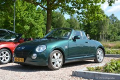Daihatsu Copen 1300, 2007 (PO Fotografie) Tags: 60xftl daihatsu copen japan japanese car cabrio sport compact sportive open hardtop green groen lh left right hand steering europe version 1300 cc 16 valve dvvt 2 persons youngtimer nikon d7100