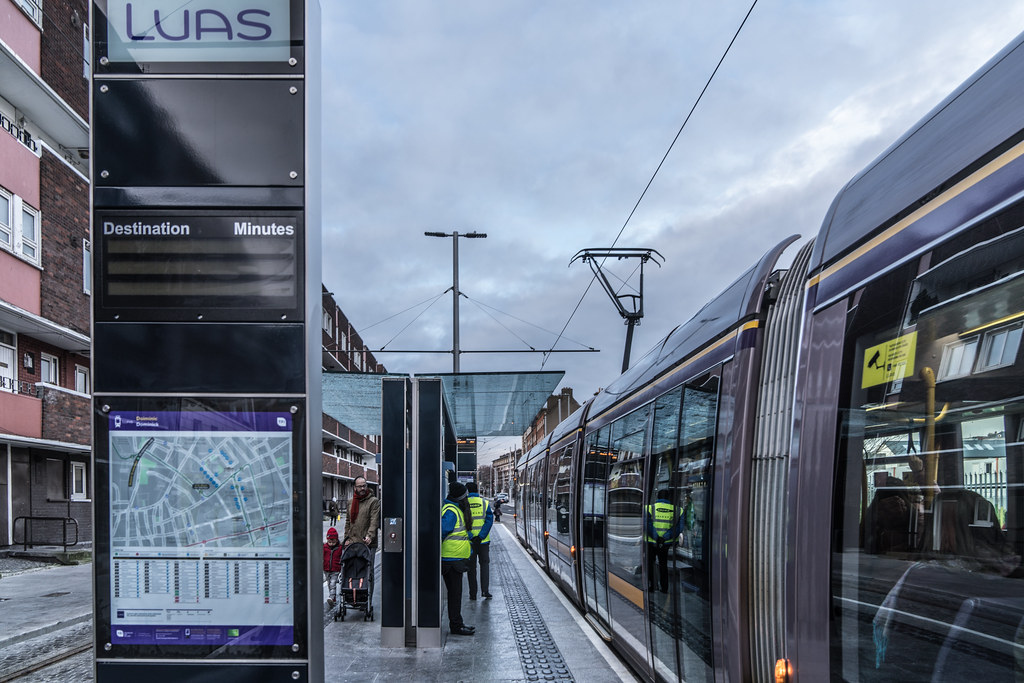 THE LUAS CROSS-CITY TRAM SERVICE CAME INTO OPERATION TODAY [LOWER DOMINICK STREET STOP]-134391