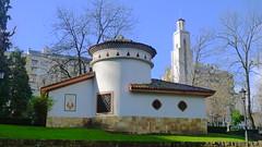 Palomar (Jusotil_1943) Tags: 181217 europa asturias oviedo parque españa iglesia virgen entrearboles arboles