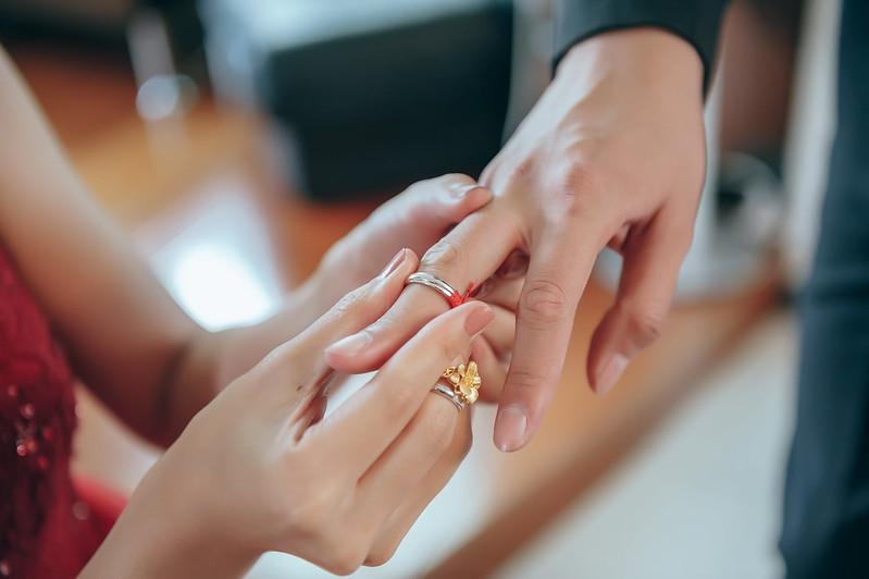 """""""訂婚儀式,交換戒指,訂婚,婚攝,婚禮記錄,婚禮攝影"""""""