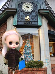 """Mitzi does a little last minute Christmas shopping at Birks Jewellers for some bling. Mitzi is a gift from my beautiful daughter who included a wonderful """"mink"""" coat and cheetah print dress by Blytheism.com plus shoes and and an awesome 60s purse."""